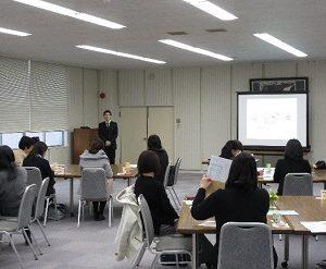 【食物栄養学科】食物栄養学科の保護者会を開催しました。3/3