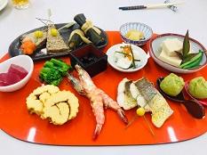 【食物栄養学科】調理学実習で正月料理を作りました